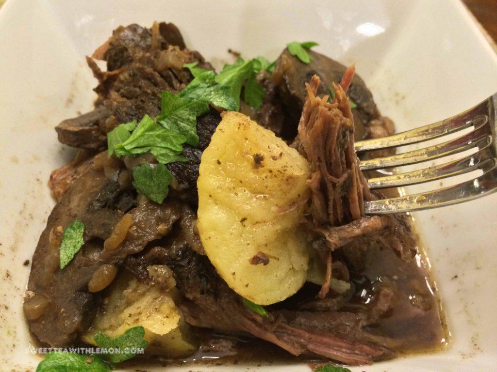 slow-cooker-pot-roast-2-w23