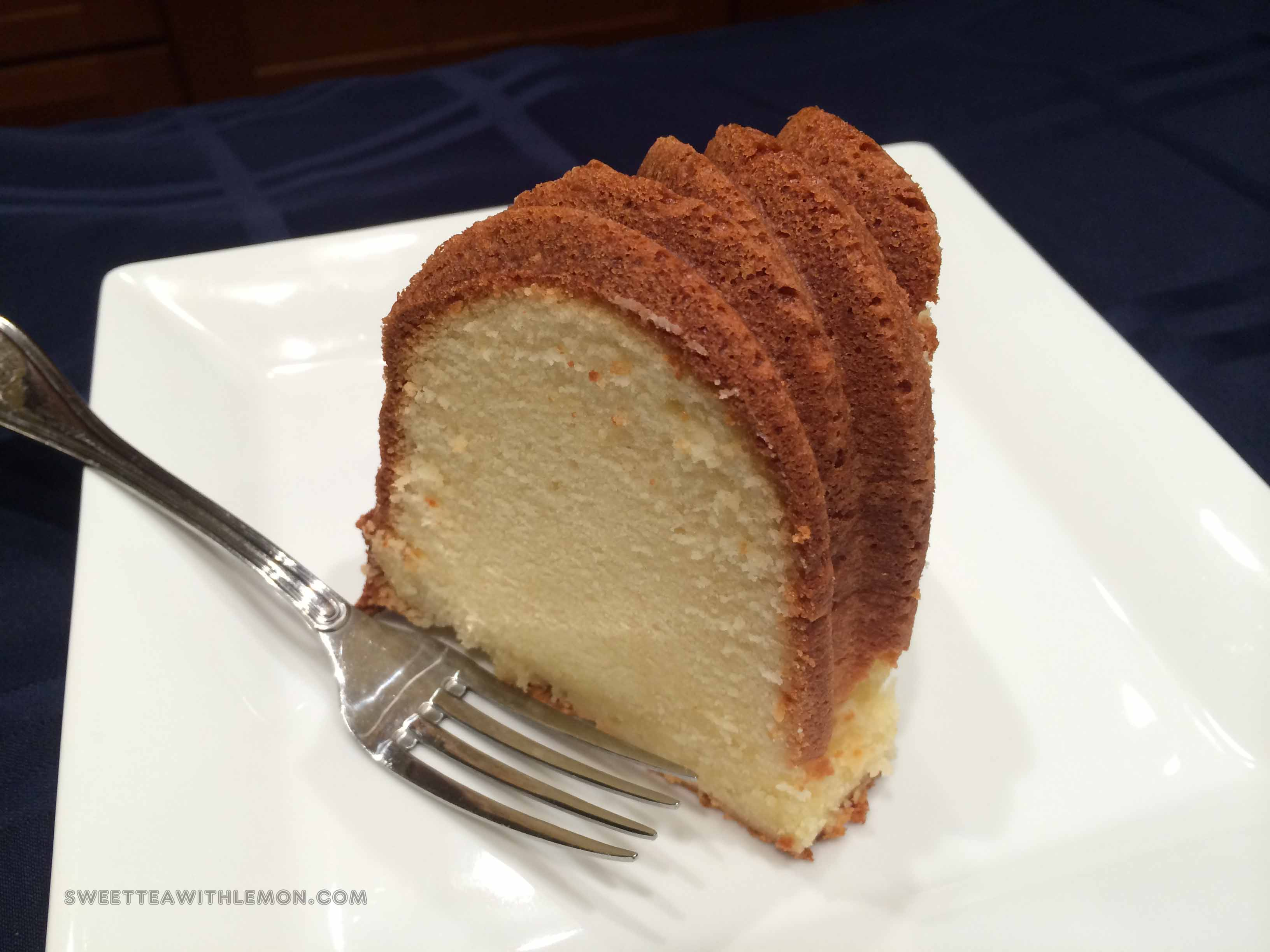 How Long Should Pound Cake Cool In Pan